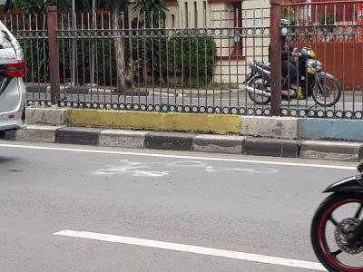 Pengendara Motor Tewas Terlindas Diduga Korban Tabrak Lari Bus Transjakarta