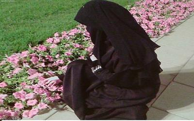 Jangan Sembarangan, Melepas Pakaian pun Ada Adab dan Doanya