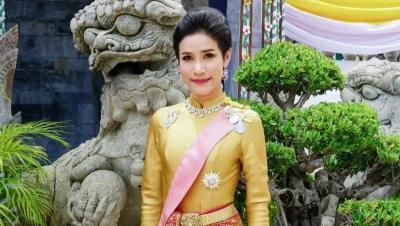 Pesona Shineenat Wongvajirapakdi, Selir Raja Thailand yang Foto Syurnya Tersebar