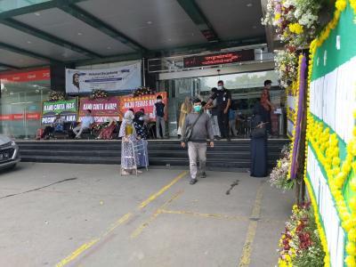 "Karangan Bunga untuk Habib Rizieq ""Banjiri"" RS Ummi Kota Bogor"