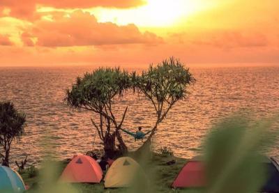 Cantiknya Pantai Kesirat, Viral di Kalangan Anak TikTok Buat Berburu Senja