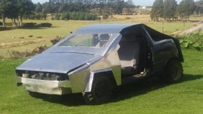 Sempat Diremehkan, Toyota Yaris yang Disulap Jadi Tesla Cybertruck Laku Rp13,9 Juta