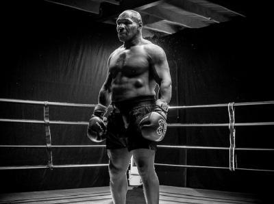 Timbang Badan Mike Tyson dan Roy Jones Jr Jelang Duel, Iron Mike Lebih Besar