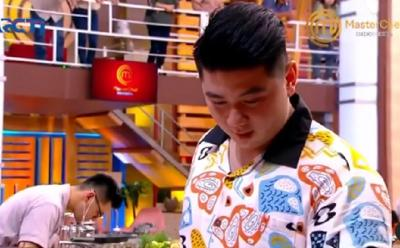 Chef Arnold Tampil Kasual dan Ceria di Episode 19 MasterChef Indonesia season 7