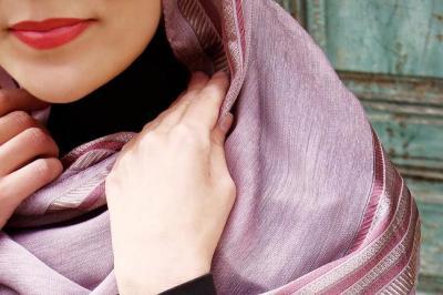 Maksimalkan Aksesoris Jilbab dengan Cara DIY