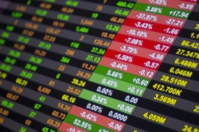 Tingginya Kasus Covid-19 Buat Pasar Saham Dunia Negatif
