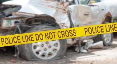 Mobil Terbalik dan Terbakar di Tol Jagorawi Dalam Penanganan Petugas