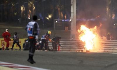 Mobil Terbakar Hebat, Romain Grosjean Beruntung Selamat dari Maut