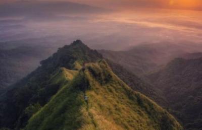 Tingkat Bahaya Jalur Pendakian Gunung Piramid Bondowoso Diklaim Setara dengan Cartensz