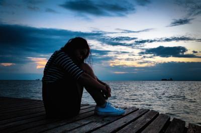 10 Cara Mengatasi Rasa Ingin Bunuh Diri karena Putus Cinta