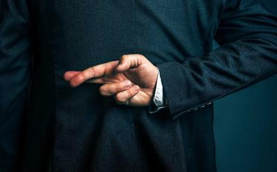 6 Tanda Temanmu Sedang Bohong, Simak Ya