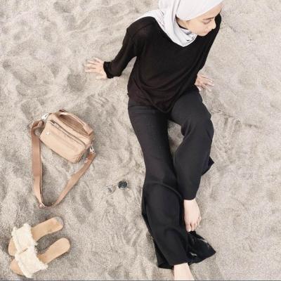Hijabers, Yuk! Kenali Hijab Minimalis ala Ayudia Bing Slamet