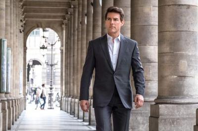 Pakai Masker Hitam dan Setelan Abu-Abu, Tom Cruise Syuting Film Mission Impossible 7