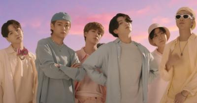 Outfit Retro BTS di MV Dynamite Siap Dilelang untuk Umum
