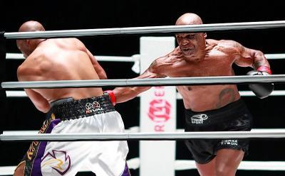 Presiden UFC Terpukau dengan Aksi Mike Tyson saat Hadapi Roy Jones Jr