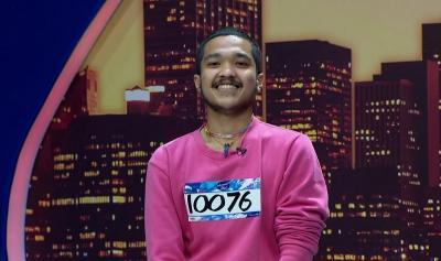 Lolos Babak Eliminasi Indonesian Idol, Elijah Meleachi Janji Cukur Kumis