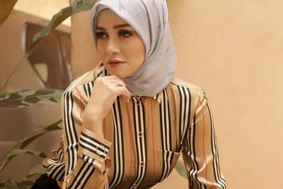 Gaya Hijab Olla Ramlan Sambut Desember, Netizen: Masya Allah Cantik Banget
