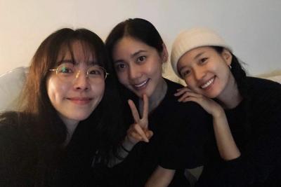 Han Ji Min dan Han Hyo Joo Kirim Food Truck ke Lokasi Syuting Penthouse