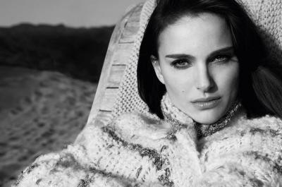 Natalie Portman Puji Otot Kekar Chris Hemsworth