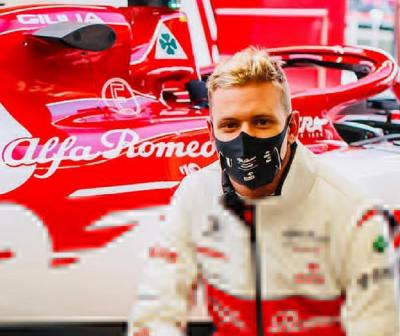 Naik Kelas ke F1 pada 2021, Mick Schumacher Tak Bisa Berkata-kata
