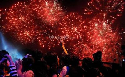 5 Alasan Rayakan Malam Tahun Baru di Rumah Aja