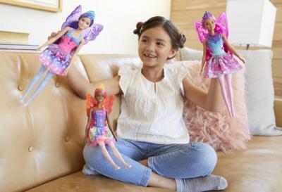 Penelitian Terbaru Sebut Main Boneka Kembangkan Keterampilan Sosial Anak Loh