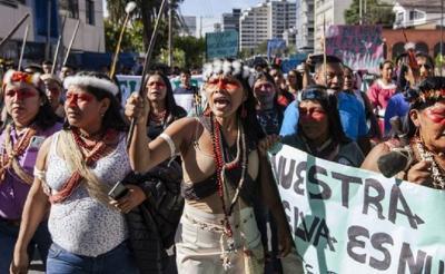 Perempuan Tangguh Ini Berhasil Lindungi 500.000 Hektare Hutan dari Pengeboran Minyak Bumi