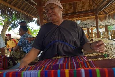 Selain Jadi Bumbu Dapur, Rempah Dipakai untuk Mewarnai Kain Tenun di Lombok
