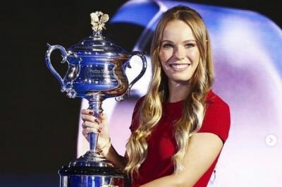 Dikenal Sebagai Petenis Top, Yuk Lihat si Cantik Caroline Wozniacki saat Jajal Olahraga Lain