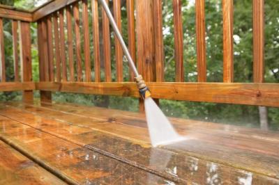 4 Langkah Mudah Bersihkan Lantai Kayu