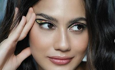 Pakai Eyeshadow Glitter, Pevita Pearce Makin Eye Catching
