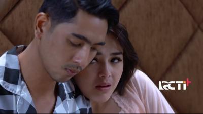 Romantisnya Adegan Ranjang Aldebaran dan Andin Ikatan Cinta, Netizen: Tangannya Lebih Aktif Mas!
