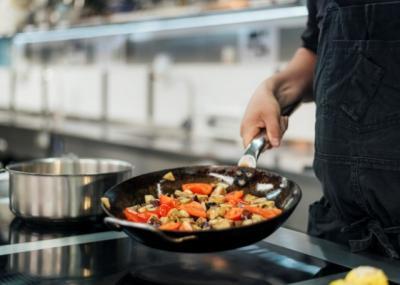 Tips dan Trik Bikin Masakan Jadi Lebih Sehat, Gampang Dipraktikkan Lho