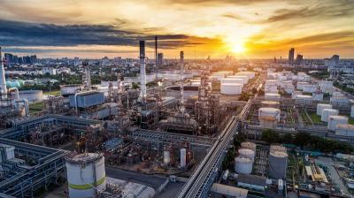 OPEC Sepakat Pangkas Produksi, Harga Minyak Mendidih