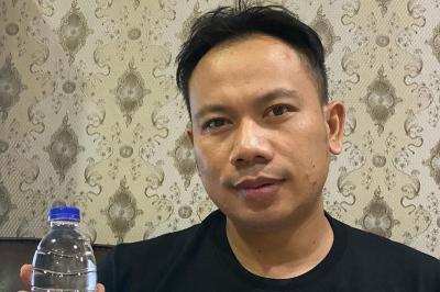 Vicky Prasetyo Polisikan Mantan Istri dan Akun Gosip