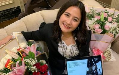 Prilly Latuconsina Lega Usai Jalani Sidang Proposal Skripsi