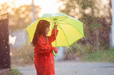 Konsumsi Makanan Ini Biar Kulit Tetap Sehat saat Musim Hujan