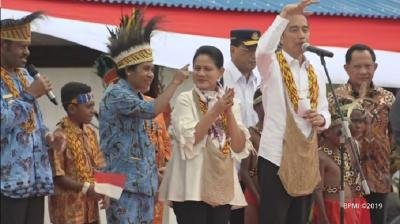 Sebelum Viral di Google Doodle, Presiden Jokowi dan Iriana Pernah Pakai Noken Papua