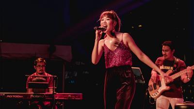 Sarah X Miracle, Penyanyi Singapura Lirik Pasar Indonesia