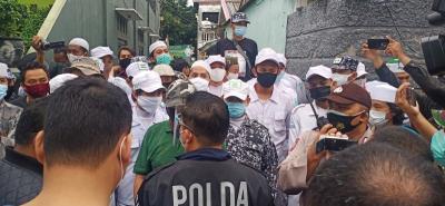 FPI Sebut Tidak Ada Penolakan saat Polisi Serahkan Surat Panggilan Habib Rizieq