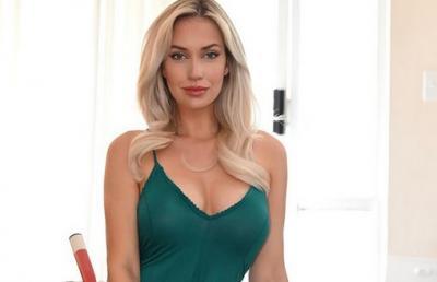Pakaian Ini Bikin Pegolf Seksi Paige Spiranac Tak Nyaman