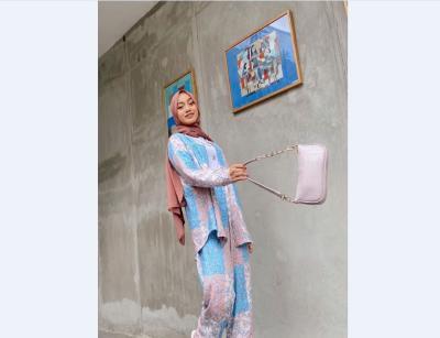 Tren Fashion Pajamas Kini Merebak di Kalangan Hijabers