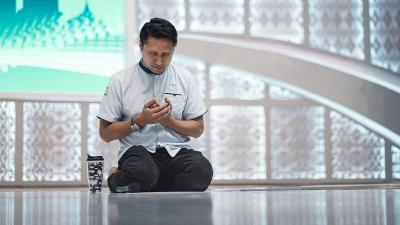Isi Pesan Terakhir Syekh Ali Jaber yang Bikin Hati Arie Untung Hancur