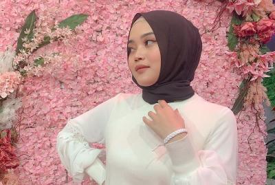 Joget Pakai Baju Ketat, Putri Delina Kena Tegur Netizen