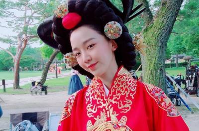 5 Drama Populer Shin Hye Sun sebelum Mr. Queen, Ada School 2013