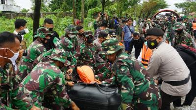 Terjun Langsung Beri Bantuan, Panglima TNI: Jika Perlu Helikopter, Sampaikan!