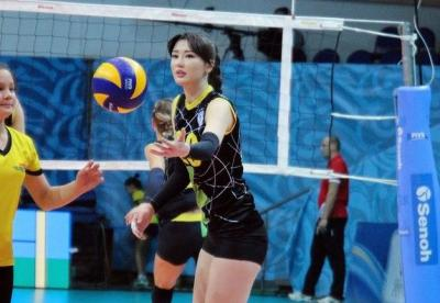 Punya Wajah Cantik, Sabina Altynbekova Mau Selamanya di Dunia Voli?
