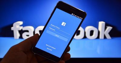 Facebook Larang Iklan Aksesori Senjata dan Alat Pelindung