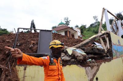 Update Longsor Sumedang: 28 Korban Meninggal Berhasil Ditemukan
