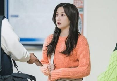 5 Harga Outfit Moon Ga Young di Drakor True Beauty